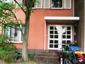 Vorderansicht Mehrfamilienhaus
