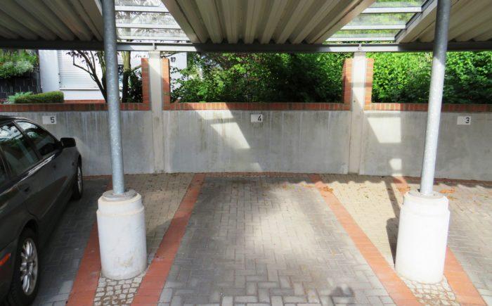Stellplatz im Carport