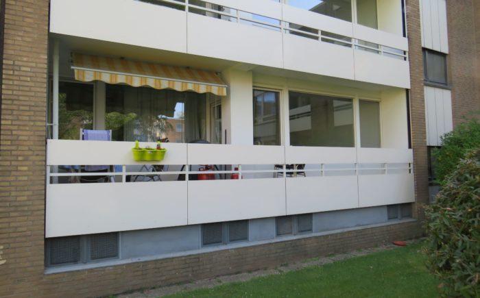 Erdgeschosswohnung mit Balkon